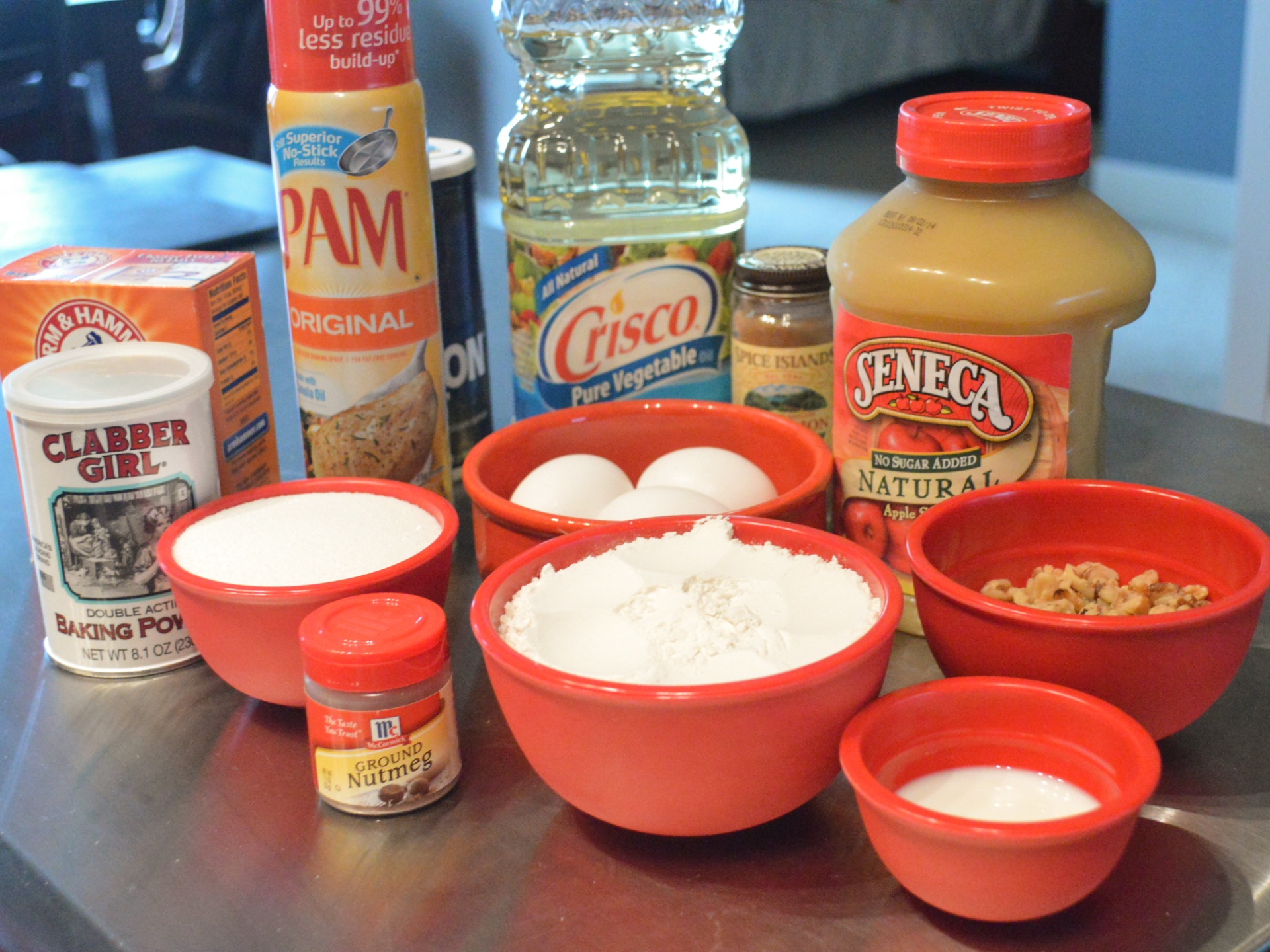 Applesauce Nut Bread – The Lemon Press