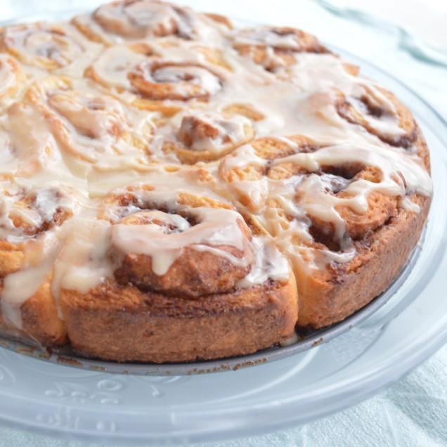 cinnamon-rolls-with-coffee-glaze
